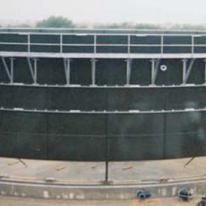 Reservatório parafusado em epóxi